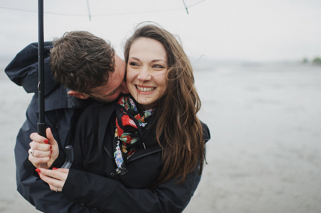 winter, engagement, couple, laugh