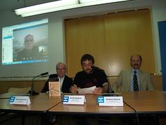 """Moment de la lectura del veredicte del jurat del Premi Llibreter de Literatura Catalana que ha estat per """"La primavera a Pequín"""", de Francesc Parcerisas."""