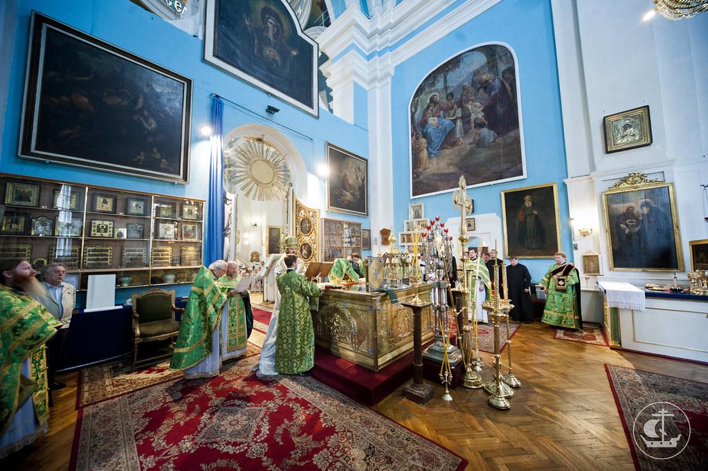 23 июня 2013, Божественная литургия в Князь-Владимирском соборе
