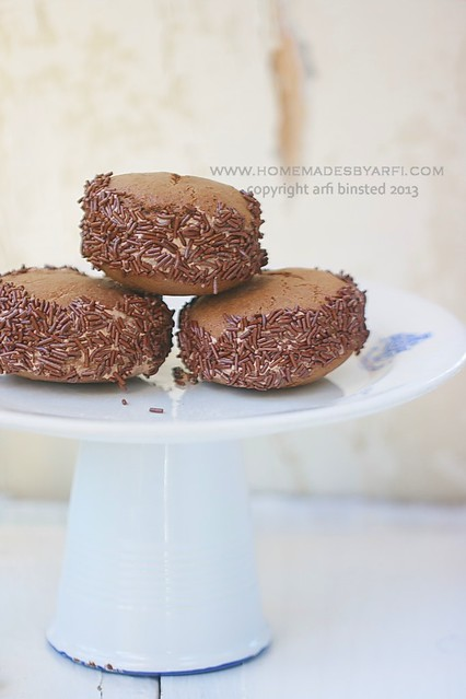 Gluten-Free Chocolate Whoopie Pies2