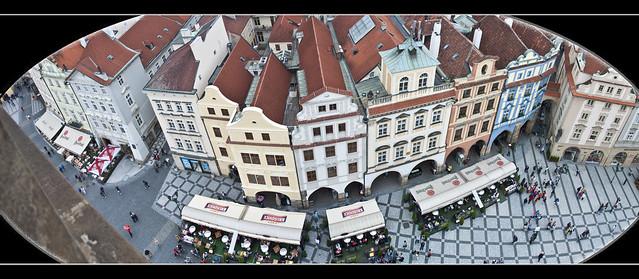 97-98 -PICADO SOBRE LA PLAZA VIEJA (Praga)