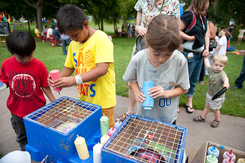 8/11/13 Family Day: Backyard Buzz