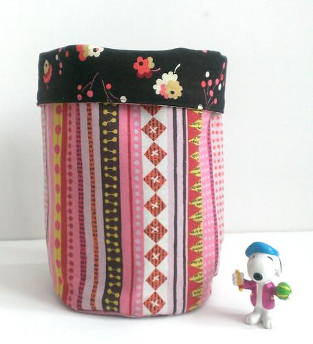 chibi bucket-pink