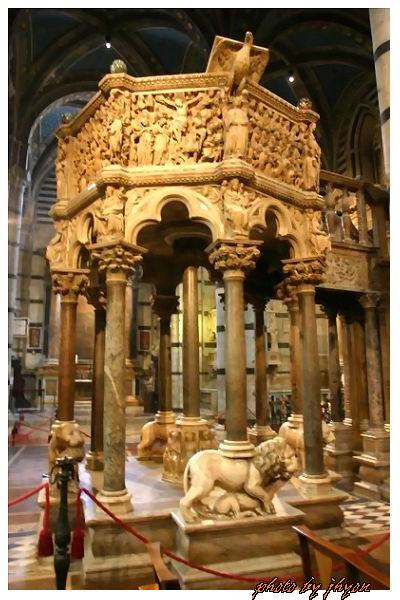 1108878282_只有教宗才能上去的祭祀台