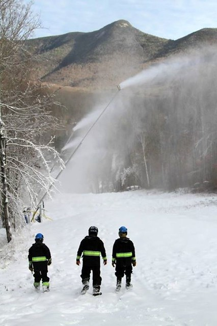 Loon snowmaking 11/5