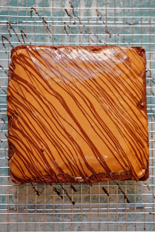 Gingerbread Cake with Speculoos and Dark Chocolate