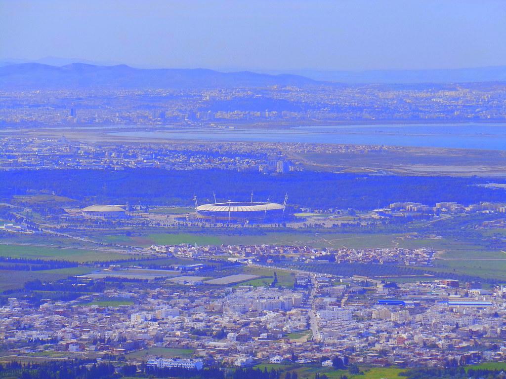 Stades et installations sportives tunisiennes for Porte 8 stade rades
