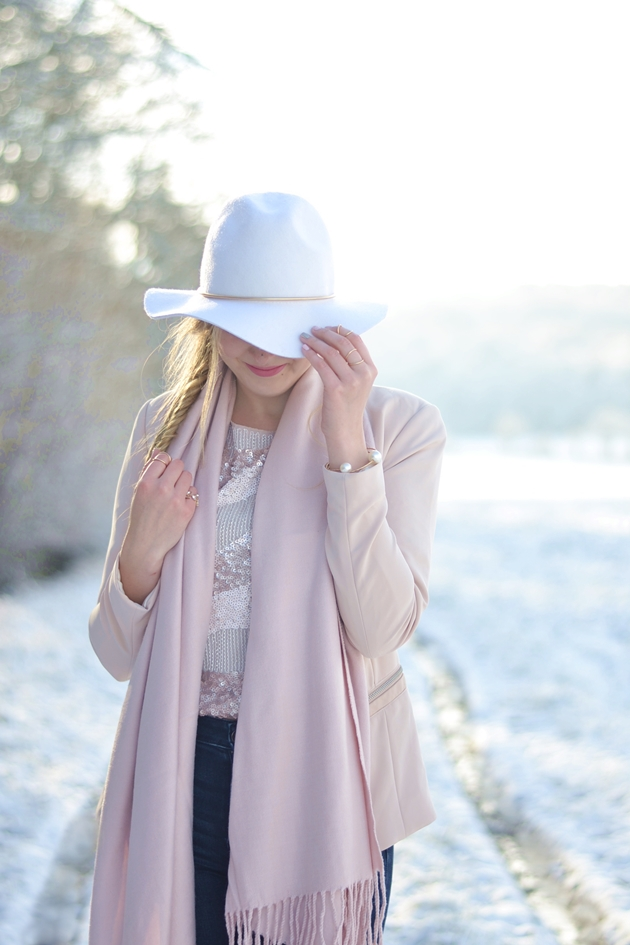 Winter Nudes 2 Outfit Eugli (4)