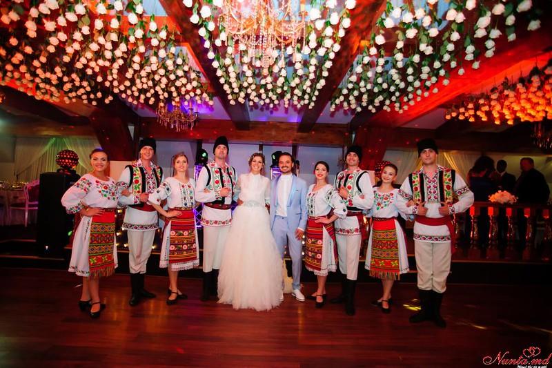 """""""Jocul Dacilor"""" - dansatori la nunţi > Foto din galeria `Principala`"""