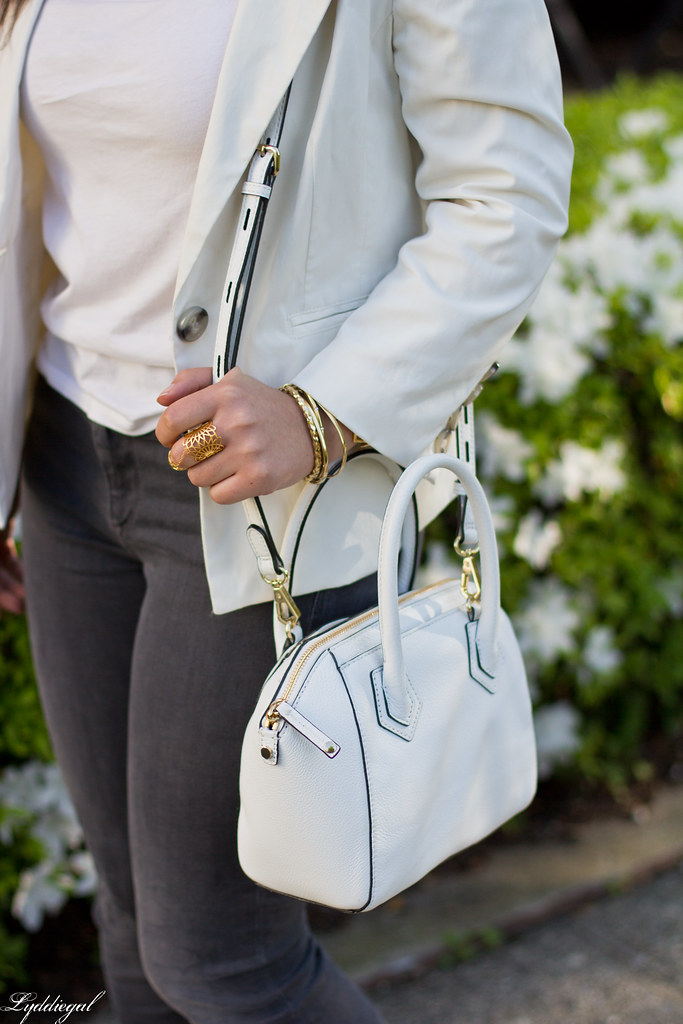 white blazer, grey jeans, lace up flats, white bag-5.jpg