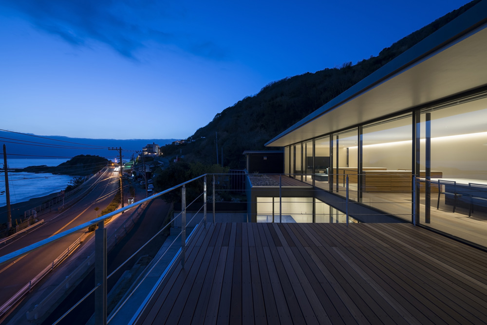 Seascape House design by Tomoyuki Sakakida Architect and Associates