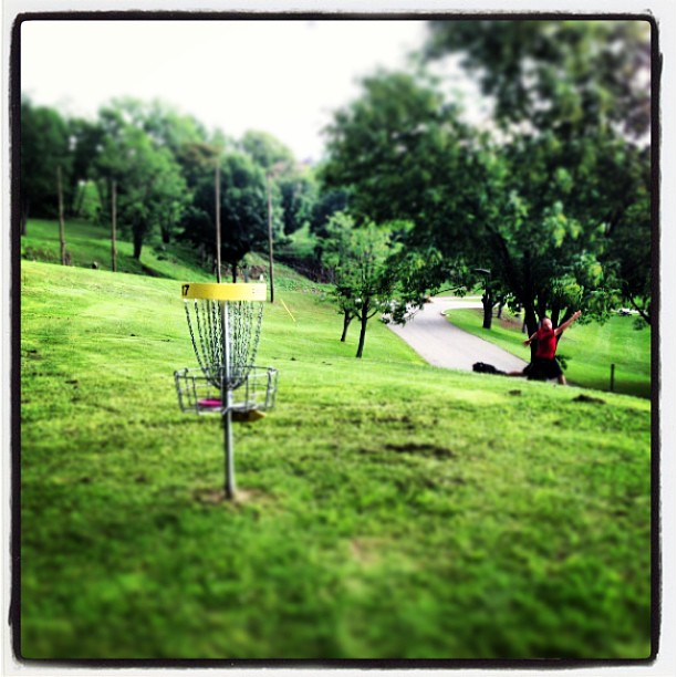 #DiscGolf #Putt #17YellowCourse