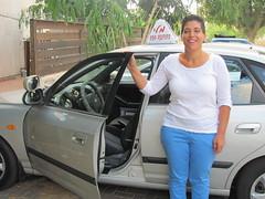 מלי לוזון, מורה לנהיגה בפרדס חנה כרכור והסביבה