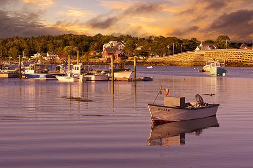 ocean sunset sky sun water clouds boats island coast boat fishing village maine atlantic coastal rowboat skiff baileyisland dorey nikcolorefexpro topazadjust garrisoncove