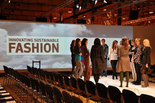 時尚與生態、永續的跨領域結合,將可減輕對生物多樣性造成的影響。圖片來源:http://www.flickr.com/photos/36231039@N04/4165416963,本圖符合CC授權使用。