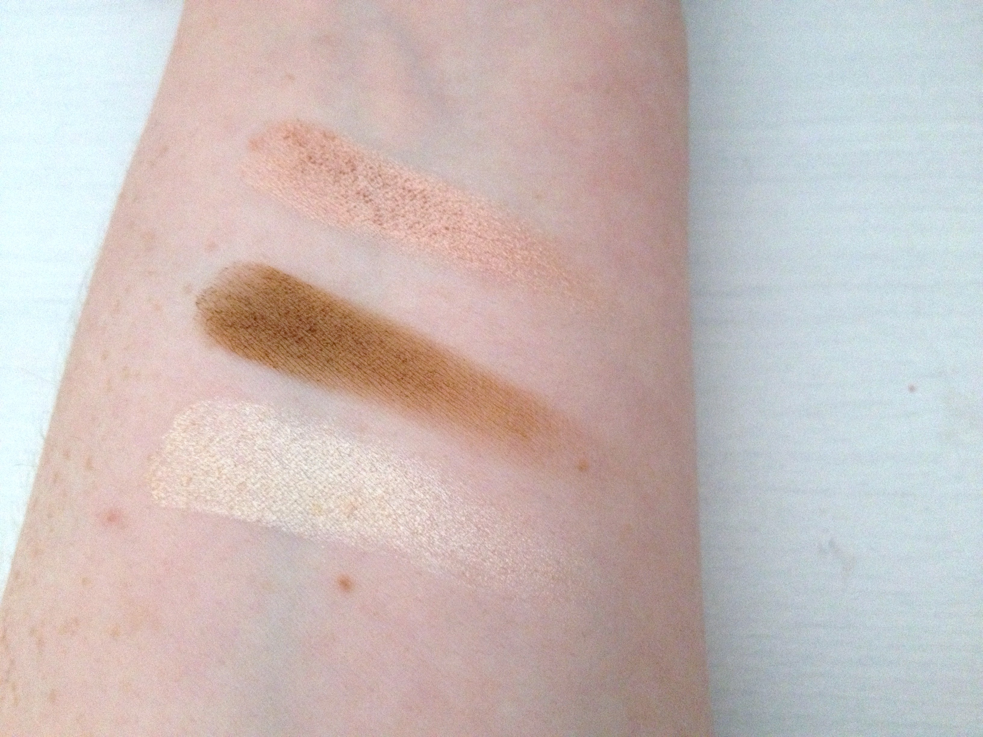 Wet_N_Wild_Eyeshadow_Palette_'Walking_On_Eggshells' (4)