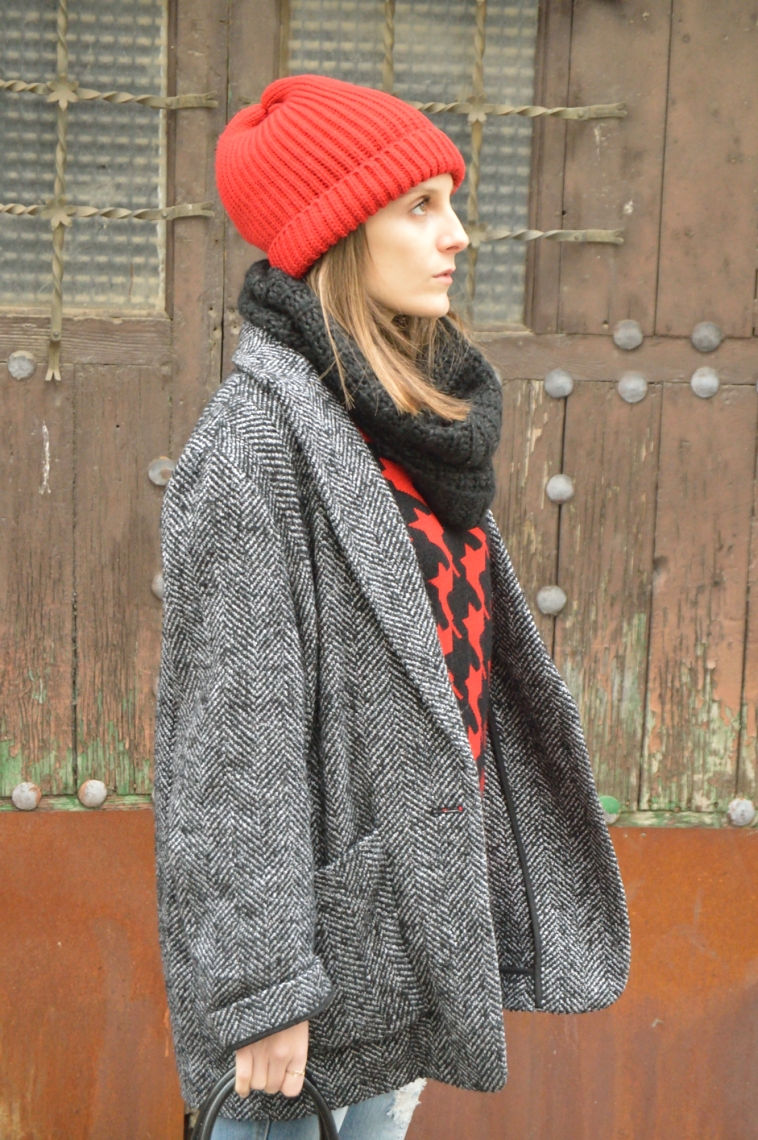 lara-vazquez-madlula-style-beanie-red-coat-oversized-outfit-fashion-blogger