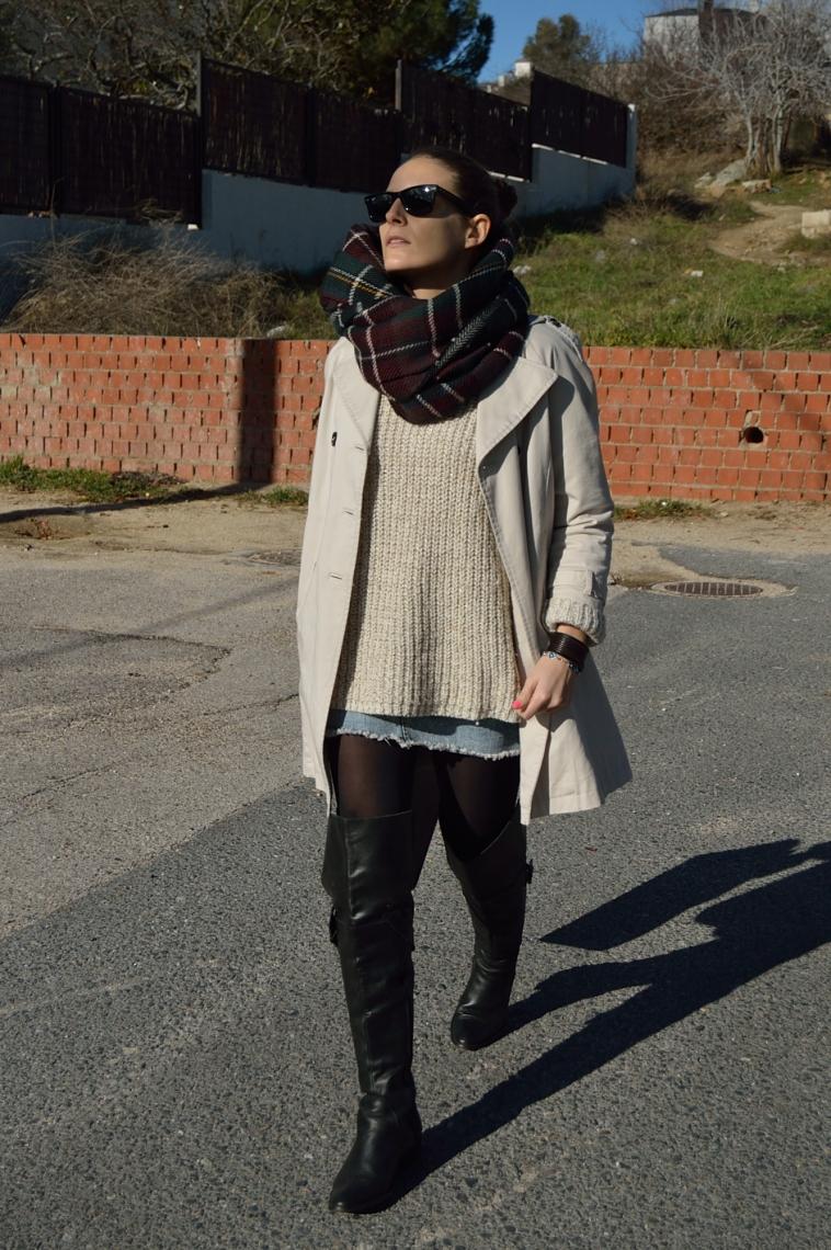 lara-vazquez-madlula-chic-style-fashion-tartan-foulard