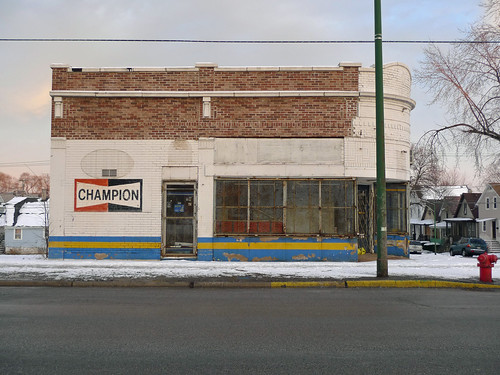 former home of Roseland Auto Parts