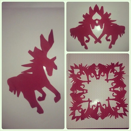 Year of the Horse: Happy New Year! #papercrafts #2014 #newyear #red #horse #snowflakes