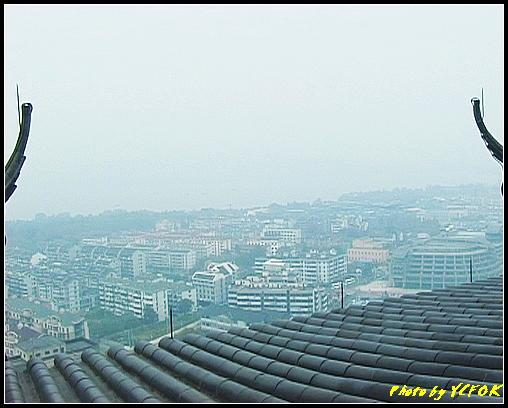 杭州 吳山天風景區 - 032 (城隍閣 從城隍閣鳥瞰霧中的西湖)