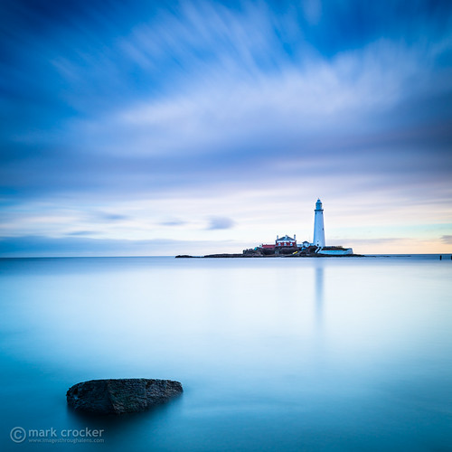 longexposure sea england beach rock sunrise coast unitedkingdom coastal northsea northeast whitleybay stmaryslighthouse bigstopper leebigstopper