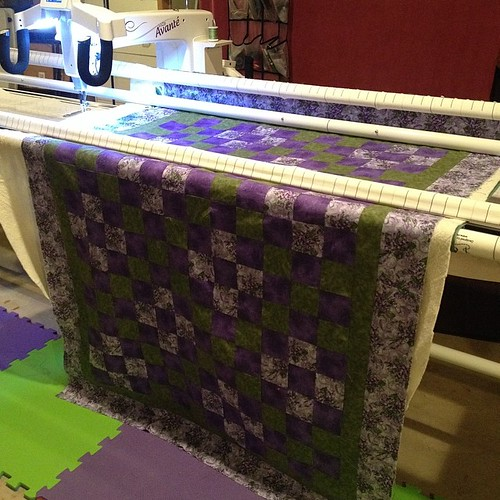The #quiltingmarathon has begun! #ohcraft #darlingjillquilts #handiquilter #hqavante