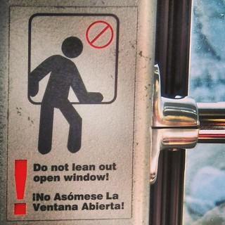 No leaning! #landofno  #palmsprings #california #usa #psaerialtram