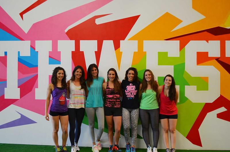 foto de grupo de la sesión de prueba en CrossFit Northwest Paterna