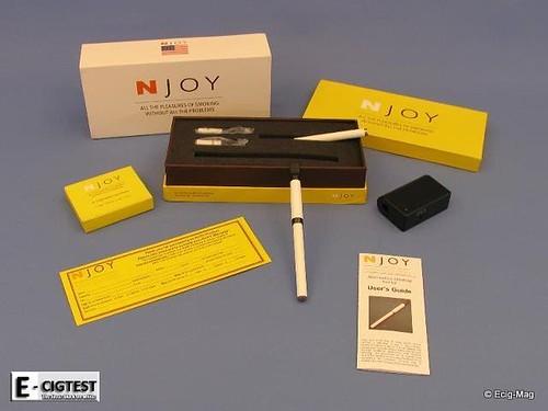la cigarette electronique style une pen de n 39 joy. Black Bedroom Furniture Sets. Home Design Ideas