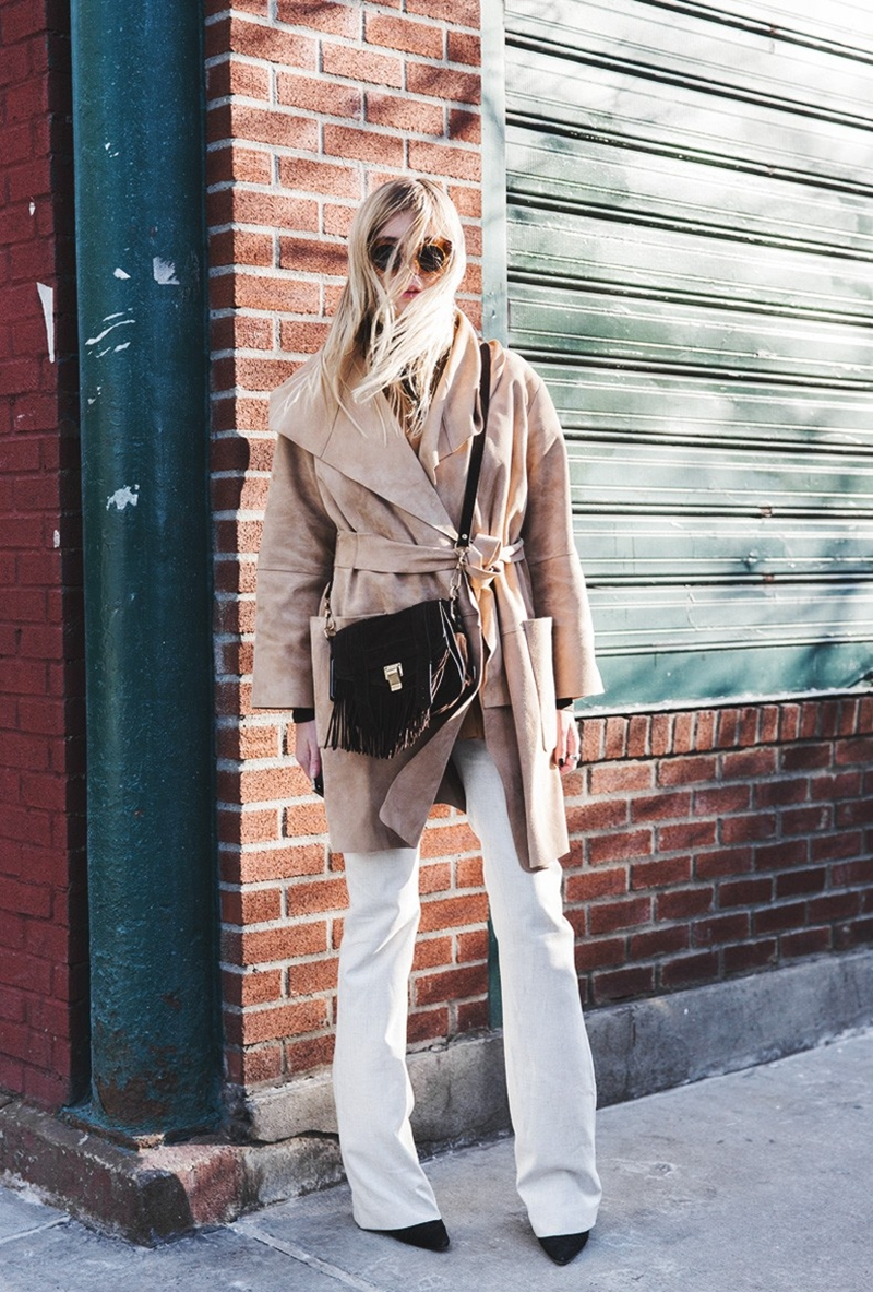 New_York_Fashion_Week-Fall_Winter_2015-Street_Style-NYFW-Camille_Over_The_Rainbow-Suede_Coat-Flared_Jeans--790x1185