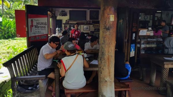 naughty-nuri-ubud-bali-customers