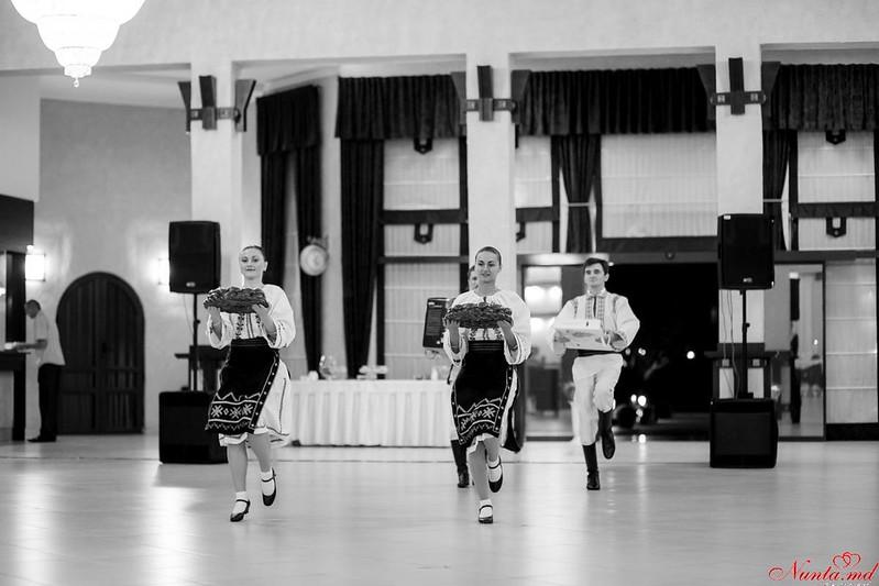 """Шоу-балет """"Dance-Time"""" / Уроки танцев для женихов"""