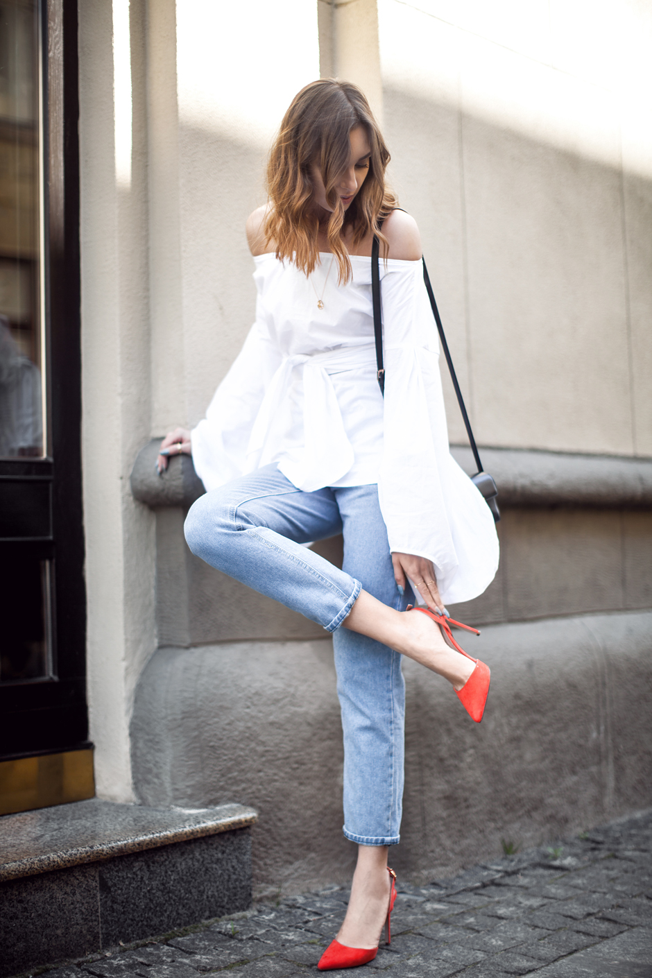 red-slingback-pumps-heels-outfit-stret-style