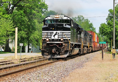 railroad train illinois ns railway 112 sou norfolksouthern manifest 2777 emd sd70m2 bartelso southernrailroad southernwestdistrict