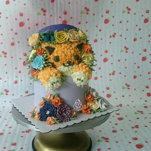 Kitty Flower Hatbox by Sugar Snake Cakes
