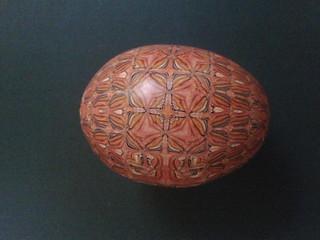 Huevo naranja lateral 2