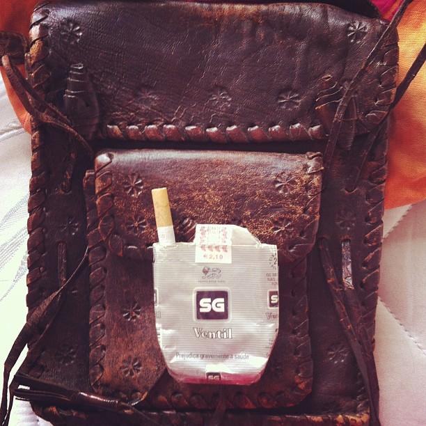 Quando deixei de fumar guardei o maço com um cigarro.