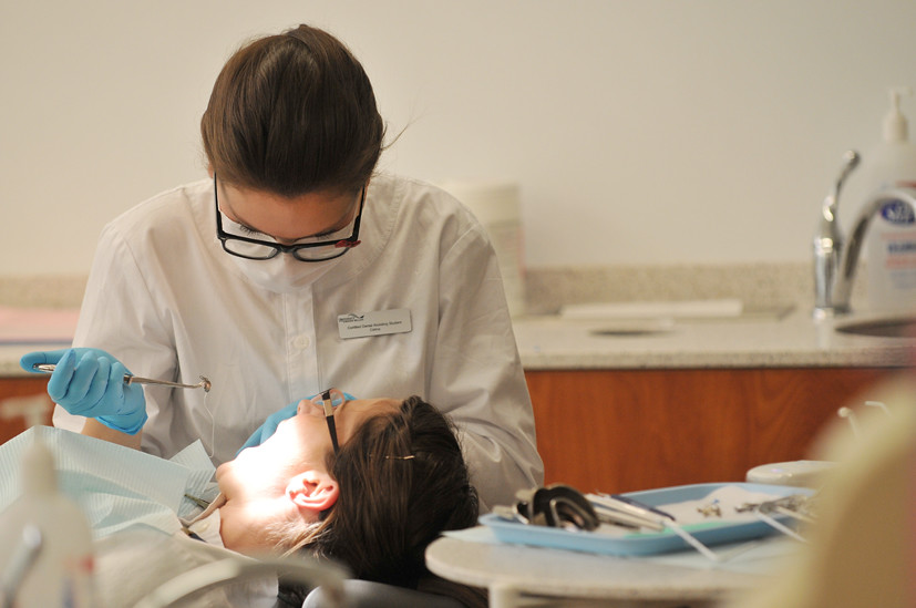 dental assisting 01