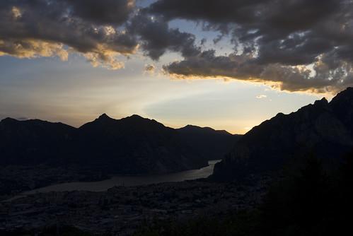 leica italy montagne sunrise lago italia tramonto day lac ciel cielo acqua montagna lombardia paesaggio lecco x1 sera montagnes crepuscolo lario lagodilecco 24x36 campodeibuoi leicax1 inguineleonardesco pwpartlycloudy