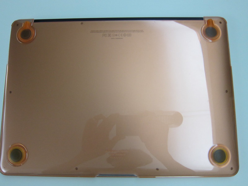 Speck SeeThru for MacBook Air 13 Inch - With MacBook Air (Bottom View)