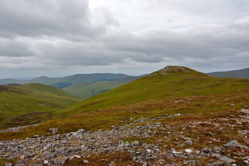 Carn Bhinnein above Gleann Taitneach