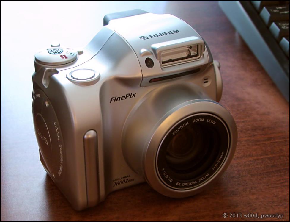 Front ~ FUJIFILM FinePix 2800 Zoom