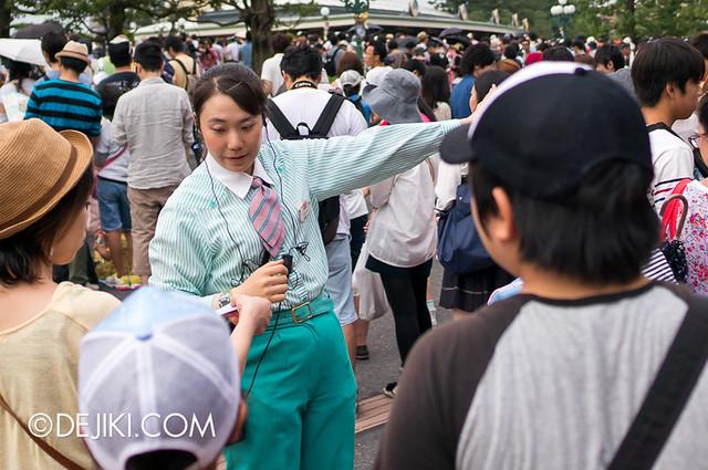 Tokyo Disneyland - Entrance Cast Member