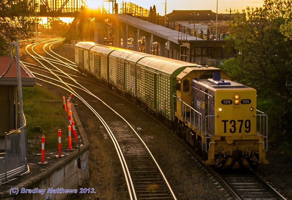 T379 with #9784V up sadleirs transfer at West Footscray Junction (SG) (27/8/2013) by Bradley Matthews