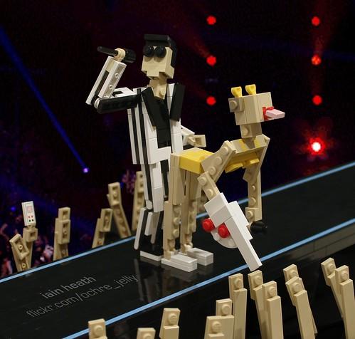 LEGO Miley Cyrus VMA twerk
