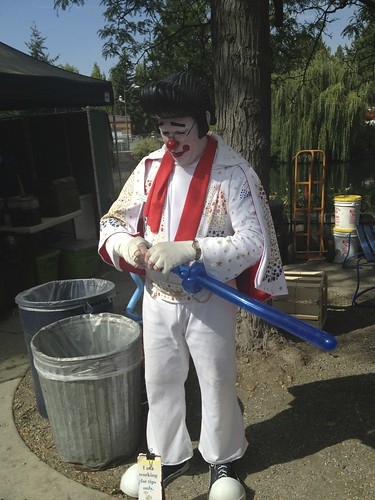 9.4 - Elvis Clown