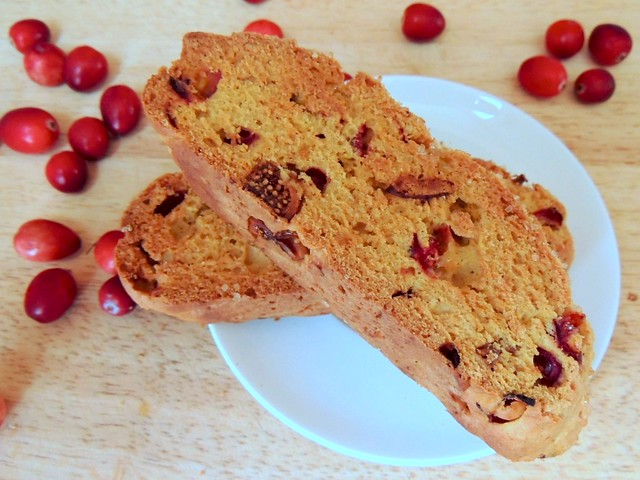 pumpkin cranberry fig biscotti
