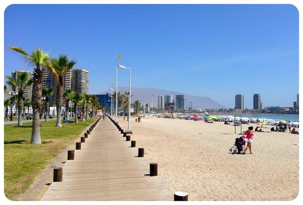 iquique beach promenade