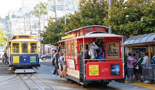 cable cars in San Francisco (by: OZinOH, creative commons)